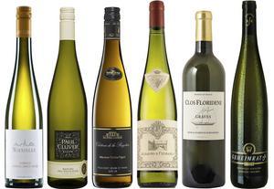 Sex mycket bra och goda vita viner bland februaris tillfälliga vinnyheter.