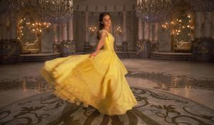 Emma Watson spelar skönheten Belle i Disneys icke-animeradeversion av den animerade klassikern