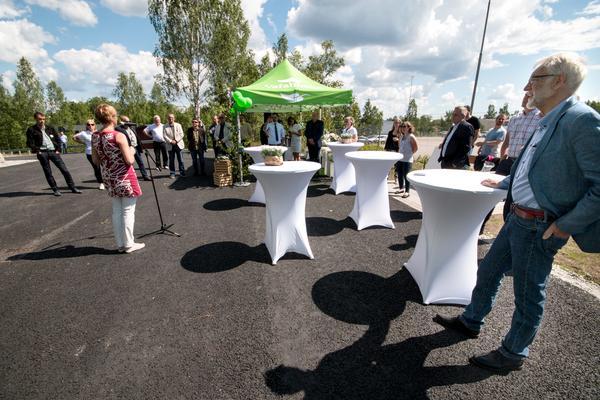 20-25 personer kom till invigningen av Fagerstas nya biogasmack.