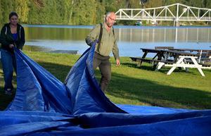 I går pågick förberedelserna för fullt vid Wiskan marina, där bland annat en hoppborg ska locka folk till den inledande familjedagen.