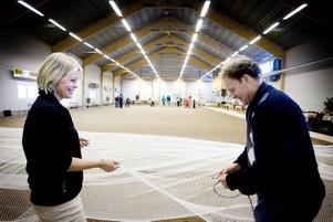 Golfentusiaster. Susanne Lilliedahl och Richard Sundström ska öppna en golfhall inne i boulehallen vid Folkets park.Foto: Catharina Sandström
