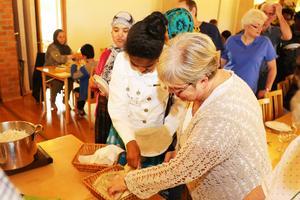 Eritreanska pannkakor, Njera, ätes med handen.