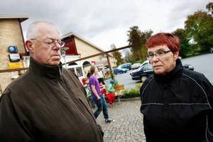 """Jan och Märit Holmgren: """"Alla tjänar på att maten görs där barn och äldre faktiskt finns annars blir kvaliteten inte densamma""""."""