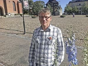 Svante-Parsjö Tegnér, gruppledare för Liberalerna i Falun, föreslår i en motion till kommunfullmäktige att Falun ska införa trygghetsvakter med ordningsvaktsförordnande.