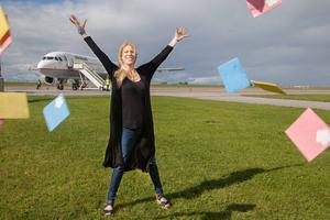 Malin Lilliesköld, grundare och ägare av företaget Flowerscrub, flyger hem hela disktrastillverkningen från Kina till Jämtland.