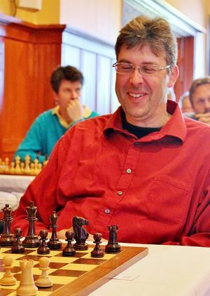 Bengt Öberg vann sitt parti i Sjakkfejden på ett publikfriande sätt.
