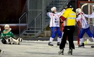 Emil Juhlén gjorde sista målet för Västanfors i 7–1-segern mot Nitro/Nora. Foto: Jörgen Hjerpe/Västanfors Bandy