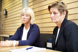 Monica Örnmark och Karin Westergren har tillsammans 67 års erfarenhet som larmoperatörer.Den 31 maj nästa år står de utan jobb.