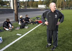 Anders Åhlström finsliopade de sista detalajerna inför lördagens avslutningsmatch, en match som kan vara hans sista som tränare för laget.