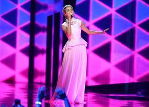 Tjeckiens Gabriela Gun íková framför bidraget I Stand.