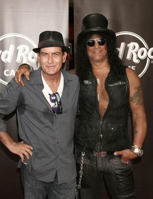 Charlie Sheen och Slash är goda vänner.