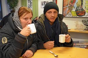 Irina Gherasa och Bujo Dumitru brukar besöka Slink in för att värma sig.