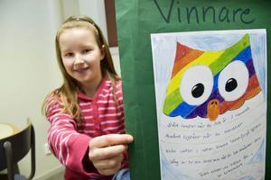 Klara Sjöström kom på andra plats i teckningstävlingen och ordnade 5000 kronor till klasskassan.