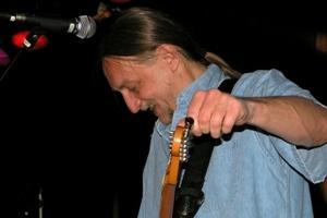 Rich Harper. Bluesman från USA som spelar på CC-puben i kväll.