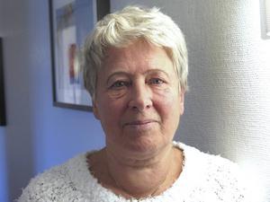 Många äldre skulle må bättre av att tas omhand på sitt äldreboende i stället för att skicka i väg till akuten, anser Iréne Forslund, sjuksköterska i Gävle.