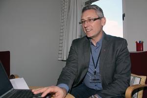 Antonis Kassitas, sektionschef på Arbetsförmedlingen, hoppas att fler arbetsgivare öppnar för att anställa nyanlända.