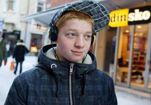 Kamran Nazarov, Östersund– Den kommer inte att funka. Det kommer ändå att laddas ner. Man ska låta det vara lagligt tycker jag.