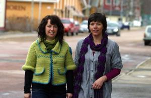 Anna Johnson och Tina Svensson går mot strömmen och öppnar en presentbutik i Sveg inom kort.Foto: Stefan Persson