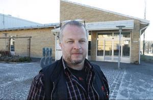 – Vilket lyft det skulle vara för Lit om de här lokalerna skulle kunna användas till något vettigt i ställer för att som nu stå helt tomma, säger Ica handlaren Mats Hansson.