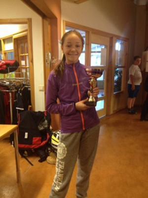 Lovisa Bystedt gick obesegrad genom klassen FSC och vann finalen enkelt med två raka set.