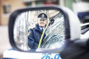 Vi har hört hans namn i radio och tv och läst det i tidningen. Mikael Hedström är både presstalesman och kommunikationschef hos Gävlepolisen.