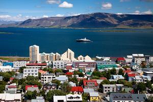 Reykjavik har blivit billigare att vistas i.