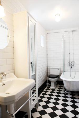 Nya badrummet är både modernt och klassiskt.