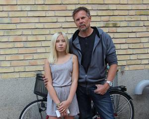 Roland Qvist och dottern Emmelina Qvist hittade Helena och slog larm om hennes situation.
