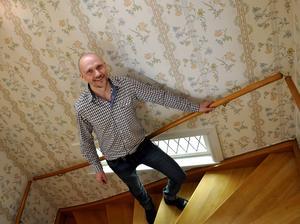 Oskar Sergel, ägare av företaget Mordmysterium som söker ny personal i Sundsvall.