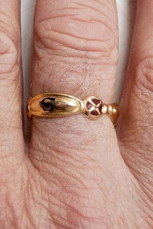 Ringen är ofta det enda som avslöjar en frimurare.