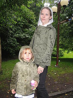 Sandra Lindberg, 28 år, undersköterska, Enköping, med Daniella , tre år.
