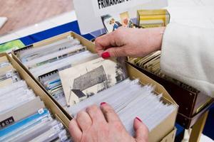 Under frimärkets dag ställdes även gamla vykort och stämplar ut till allmänhetens beskådan.