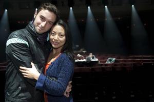 Funkar ihop. Måns Zelmerlöw och Lisette Pagler trivs i varandras sällskap. Tryggast är de i scenerna som både Romeo och Julia är med i.