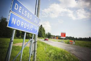Arbetet har kommit halvvägs. Just nu befinner är det sträckan mellan Nordsjö och Delsbo som är aktuell för reparation.