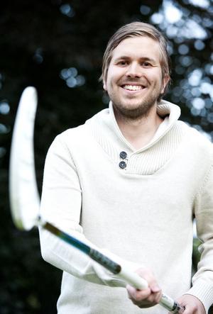 Jonathan Sundberg, uppväxt i Säter och i Gustafs, är IBF Hedemoras mest spektakulära nyförvärv inför säsongen 2012/2013. Den 26-årige innebandyspelaren har meriter från de högsta ligorna i både Sverige och Norge.