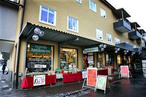 I hörnet mellan Barrsätragatan och Hyttgatan driver Tommy Örtberg Gestrike Antikvariat.