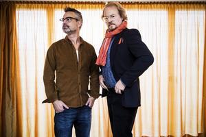 """kommer i november. Fredrik Lindström och Henrik Schyffert följer upp """"Ljust och fräscht"""" med den nya föreställningen """"Ägd – pengarna eller livet?""""Foto: Vilhelm Stokstad /TT"""
