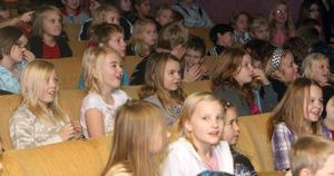 Vid lunch på tisdagen satt elever från skolan i Stugsund, Stentägten och Borgmästargården.