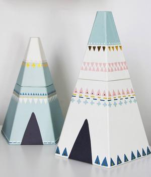 Roliga och söta tält som man kan lyfta toppen av toppen på och använda som förvaring till småprylar, från Lagerhaus.