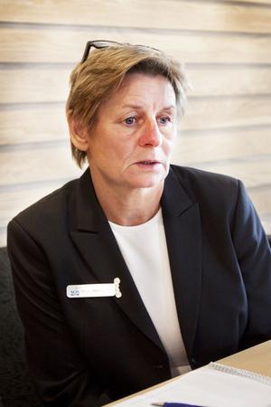 Karin Westergren förlorar jobbet, efter 31 år som larmoperatör hos SOS Alarm.