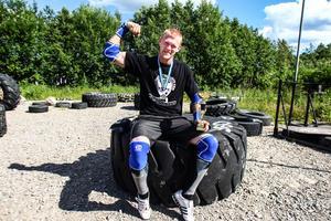 Patrik Stigenberg från Hudiksvall tävlar i strongman