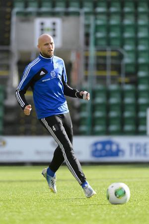 Stefan Ålander är knäskadad.