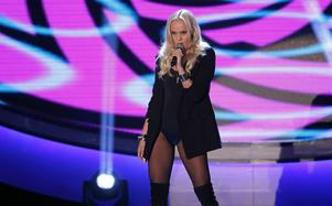 Amanda Winberg sjunger