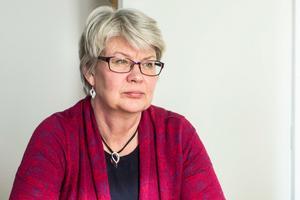 Ann-Marie Johansson (S) ställer stora krav på regeringen för att Region Jämtland Härjedalen ska klara ekonomin.