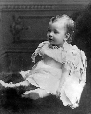 Gustaf VI Adolf, född 11 november 1882, död 15 september 1973, kung av Sverige från 1950, son till Gustav V och Victoria av Baden, farfar till kung Carl XVI Gustaf. Här på bild från 1883.