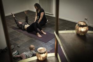 – Upp mot 40 000 kvinnor riskerar att få bestående skador efter förlossning och ändå pratas det inte om. 44 procent av kvinnor har någon form av inkontinens 5-7 år efter en vaginal förlossning, säger Sandra Engström.