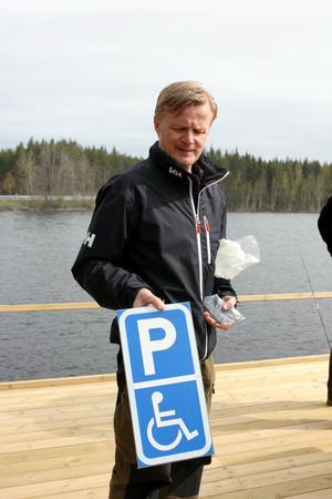 Sulevi Karvonen, Spännarhyttan Nyhyttans fiskevårdsförening, var den som kläckte idén om en handikappanpassad brygga.