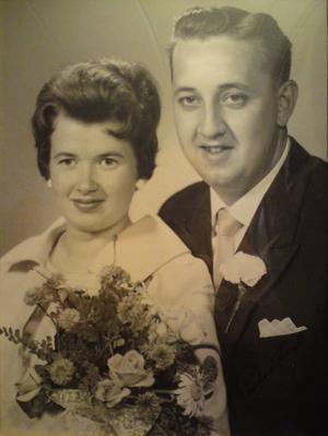GuldbröllopKerstin och Tage Mattsson, Sandviken, firar guldbröllop i dag. De vigdes den 1 augusti 1959. Dagen tillbringas med barn och barnbarn.