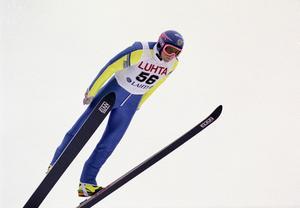 Jan Boklöv i ett hopp under VM i Lahtis 1989.