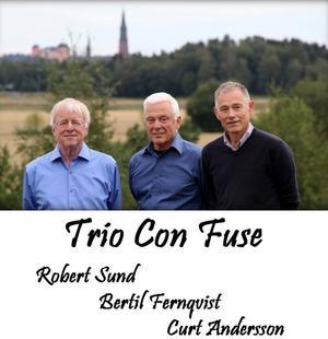 Trio Con Fuse kommer till Drömfabriken. Robert Sund, Bertil Fernqvist och Curt Andersson.